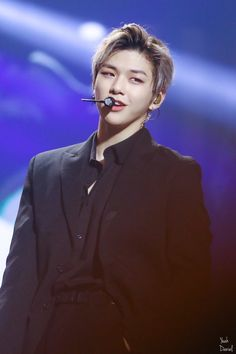 Thats right I mean Kang Daniel He looked so gorgeous in Chile so I want to share some of his pictures with you all ~~ If you have more beautiful pictures share them too ~ Jinyoung, Got7, Daniel K, Produce 101 Season 2, Kim Jaehwan, Ha Sungwoon, Fans Cafe, Love At First Sight, Korean Singer