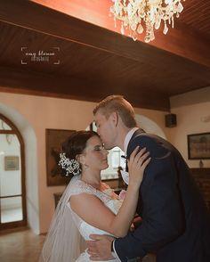 "Páči sa mi to: 32, komentáre: 1 – Amy Klusová - Fotografie 📷📷😊 (@amyklusova) na Instagrame: ""D&A 💏 #kastiel #wedding #in #castle #svadba #svadobnafotografia #amyklusova #fotografie #love…"" Amy, Wedding Dresses, Instagram, Fashion, Bride Dresses, Moda, Bridal Gowns, Fashion Styles, Weeding Dresses"