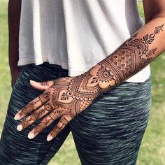 61 Ideas For Tattoo Traditional Hand Bridal Henna Henna Designs Arm, Wedding Henna Designs, Beautiful Henna Designs, Indian Wedding Henna, Mehandi Designs, Henna Tattoo Hand, Small Henna Tattoos, Mandala Tattoo, Paisley Tattoos