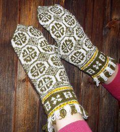 hand knitted white green mittens white by peonijahandmadeshop, $45.50