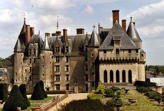 Façade renaissance du Château de Langeais, Touraine - France by alanmichot93 via Flickr