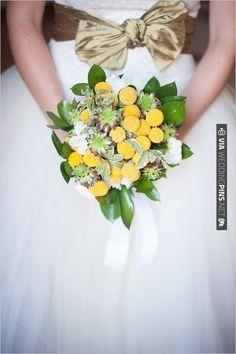 billy button bouquet | VIA #WEDDINGPINS.NET