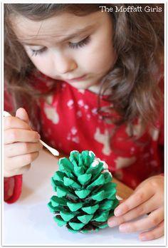 How to make a Pine Cone Christmas Tree Craft