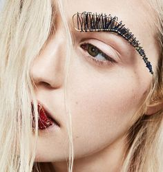 Wire eyebrows & lips