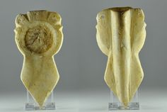 Roman alabaster mirror with kohl tube, 4th-5th century A.D. Roman Coptic carved alabaster kohl tube and mirror combination utensil with a broad leaf shaped handle, the object is pierced vertically from the top to form a tube for storing kohl which extends to the bottom of the handle, the round chiselled section at the front would originally have held a glass, this is the ancient precursor of the modern ladies' mirror and make-up compact, 14.5 cm high. Private collection