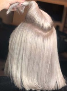 352 Likes 46 Comments Orlando Hair Colorist Sty Ash Blonde Hair blond Colorist Commen Comments Hair Likes Orlando Sty Ice Blonde Hair, Brunette Hair, Ombre Hair, Ash Blonde, Brunette Ombre, Blonde Color, Light Brunette, Light Blonde Hair, Haircut And Color