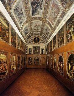 El Studiolo de Francisco I era una pequeña estancia del Palazzo Vecchio de Florencia, construida por orden de Francisco I de Medici. Se emprendió un ambicioso plan decorativo en el que participó lo más granado de los pintores manieristas del momento, encabezados por Giorgio Vasari