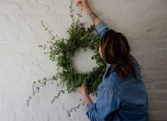 Decorating With Herbs: A Beautiful #DIY Herb Wreath