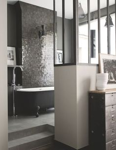 Useful Walk-in Shower Design Ideas For Smaller Bathrooms – Home Dcorz Bad Inspiration, Bathroom Inspiration, Home Deco, Room Wall Tiles, Bathroom Interior Design, Beautiful Bathrooms, Interiores Design, Sweet Home, New Homes
