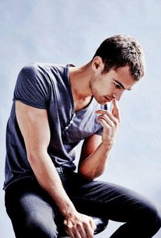Theo James doesnt want to have a huge obsession when it comes to possessions