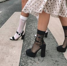 Discovered by -. Find images and videos on We Heart It - the app to get lost in what you love. Stylish Outfits, Cute Outfits, Fashion Outfits, Fashion Hacks, Office Outfits, Women's Fashion, Socks And Heels, Black Socks, Shoes Heels