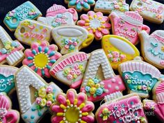 Fancy Nancy Inspired Cookies, Fancy Nancy tea party, Fancy Nancy Birthday ****Please Message Me Prior To Ordering To Confirm Date**** With this purchase you will get 12 Assorted Theme Cookies. Please list any specifics in the purchase notes. If choosing custom tags, please indicate name and any specifics in the purchase notes. Tags will be designed to match the Cookies For Kids, Fancy Cookies, Cute Cookies, Sugar Cookies, 5th Birthday Party Ideas, Fourth Birthday, 3rd Birthday Parties, Birthday Cakes, Barbie Birthday