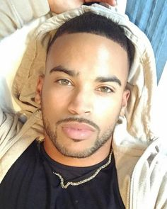 Exotic and Unique Men Afro, Papi, Selfie, Beautiful One, Male Face, Amazing, Black Men, Hot Guys, Eye Candy