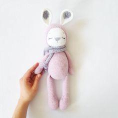 """Mi piace"": 360, commenti: 4 -  amigurumi pattern designer  (@amalou.designs) su Instagram: ""Sleeping Zoe  Pattern /Anleitung in my etsy shop  #amaloudesigns #pattern #anleitung…"""