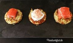 Kartoffelpuffer mit zweierlei Lachs und Schnittlauch-Schmand