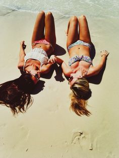 in Hawaii with my best friend <3 luv u girl