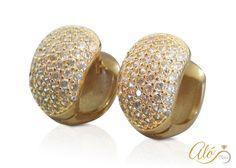 a8e92a5b5c33 Hermosos Aretes Huggies de plata con baño de oro y zirconias  AloPlata   AloPlata925 ¿LO QUIERES ... Visita nuestro sitio web.