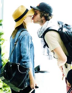 Adam Brody and Leighton Meester, too cute! Adam Brody and Leighton Meester were as cute as could be while at the airport in Cape Town, South Africa, on Tuesday. The newly engaged couple was all smiles Leighton Meester Adam Brody, Leighton Marissa Meester, Cute Celebrity Couples, Cute Couples, Power Couples, Happy Couples, Pretty People, Beautiful People, Beautiful Pictures