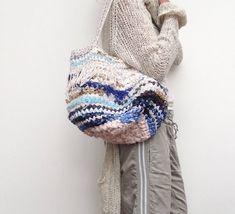 Een persoonlijke favoriet uit mijn Etsy shop https://www.etsy.com/nl/listing/569334293/handmade-duurzame-dames-tas-van-repen