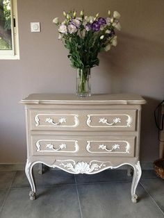 Sweet Home Claire's creations Dresser As Nightstand, Upcycled Furniture, Diy Bedroom Decor, Home Decor, Furniture Makeover, Painting On Wood, Decoupage, Furniture Design, Projects To Try