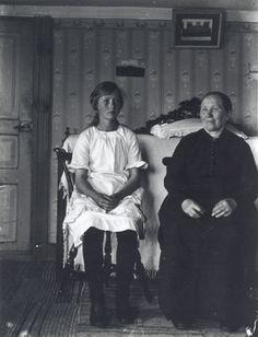 DigitaltMuseum - Hulda Vilhelmina Johansson f. 1869, d. 1948 och hennes dotter…