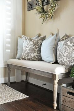 Entryway Bench With Throw Pillows   Love!