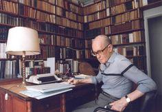 Carlos Drummond de Andrade | Mundo Livro
