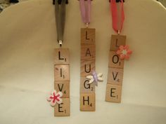 Keep these inspirational words hanging somewhere year round, or hang them in a prominent spot on your tree.    Ornaments are flat-ish and the