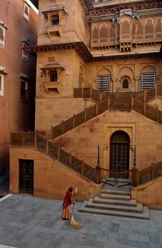 Junagarh Fort, Bikaner, Rajasthan, India/ Photography by Steve McCurry / Here you can download Steve's FREE PDF Catalog and order PRINTS /stevemccurry.com/...