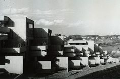 "Housing complex ""Am Dünzlpark"" (1975) in Landshut, Germany, by Willibald Zeilhofer"