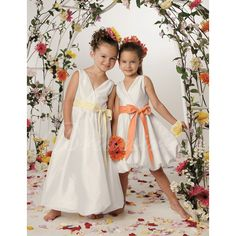 Bridesire - A-Linie V-Ausschnitt ärmellos Knielang Satin Blumenmädchenkleider [20090086-K] - €55.70 : Bridesire