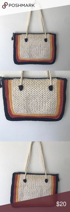 TRUE 1970s NEW YORK VINTAGE RAFFIA PURSE JAPAN🌸 🌹 VINTAGE RAFFIA WHITE YELLOW ORANGE BLUE PURSE 👛 MADE FOR THE BROADWAY DEPARTMENT STORE GREAT CONDTION. 14 inches length 10 inches height 9 inches deep vintage 1970s Bags Satchels