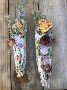 Crystal Room Decor, Sage Smudging, How To Dry Sage, Herbal Magic, Enchanted Rose, Smudge Sticks, Drying Herbs, Dried Flowers, Rose Quartz