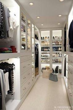 Closet with Built-in bookshelf, Carpet, Crown molding