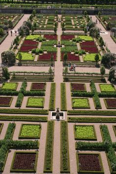 The renaissance-style kitchen garden at Chateau de Villandry; one of the gardens visited on the Garden Design Academy tour of the Loire Valley Famous Gardens, Amazing Gardens, Beautiful Gardens, Formal Gardens, Outdoor Gardens, Modern Gardens, Japanese Gardens, Small Gardens, Love Garden