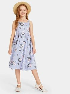 To find out about the Girls Button Up Floral & Striped Suspender Dress at SHEIN, part of our latest Girls Dresses ready to shop online today! Girls Fashion Clothes, Kids Fashion, Girl Outfits, Little Girl Dresses, Girls Dresses, Summer Dresses, Suspender Dress, Striped Fabrics, Baby Dress