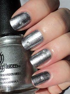 Oooh, Shinies!: Silvery Circles