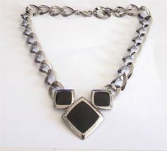 VINTAGE 80 S CHUNKY SILVER TONE GLOSSY BLACK ENAMEL CHAIN STATEMENT NECKLACE