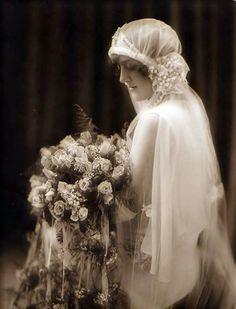 vintage wedding veil 1900 | Fotografía de bodas Vintage / Vintage Wedding Photography
