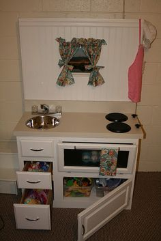 I love these DIY kitchenettes. I know Kevin will be making one of these one day!