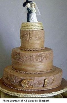 amazing-western-wedding-cake-ideas-with-more-detailing-went-into-this-great-western-cake-topped-by-a.jpg (360×547)
