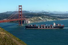Hanjin Container ship sails through the Golden Gate