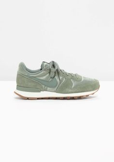 & Other Stories image 1 of Nike Internationalist in Green Nike Internationalist, Sporty Chic, Nike Green, Aw17, My Wardrobe, Trainers, Fashion Shoes, Kicks, Style Inspiration