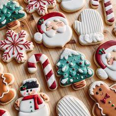15 Christmas baking like Christmas tree you can copy - ibaz Christmas Sugar Cookies, Holiday Cookies, Holiday Treats, Christmas Treats, Iced Cookies, Royal Icing Cookies, Cookies Et Biscuits, Christmas Mood, Christmas Goodies
