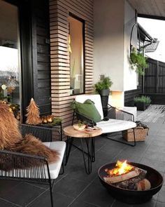 Get your outdoor space ready for summer. Discover seating ideas that will turn your backyard, terrace, or garden into your own oasis. Outdoor Spaces, Outdoor Living, Outdoor Decor, Outdoor Balcony Furniture, Small Patio Furniture, Interior Balcony, Outdoor Tables, Outdoor Cushions, Outdoor Lounge