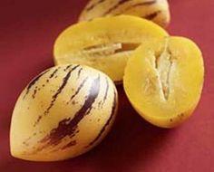 Pepino: De la región andina de sudamérica, fruta principalmente hidratante (92%agua) y con alto porcentaje de vitamina C. Delicioso y con bajísimas calorías !!