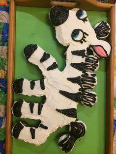 Zebra pull apart cupcake cake