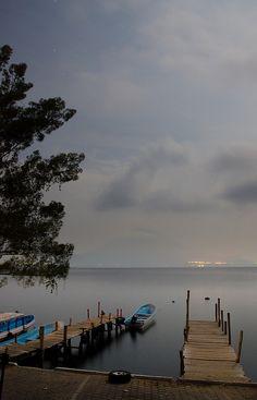Lake Atitlan (Lago de Atitlán), Guatemala