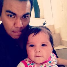 Ella si deja quererse... ❤️ #Babysitter #TíoKaxio #Baby #Selfie