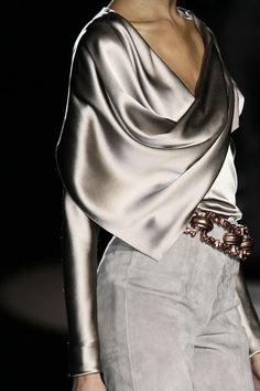 Future Fashion, Carolina Herrera, Silver, grey clothing, silver clothing, futuristic fashion, model, Futuristic Clothing by FuturisticNews.com